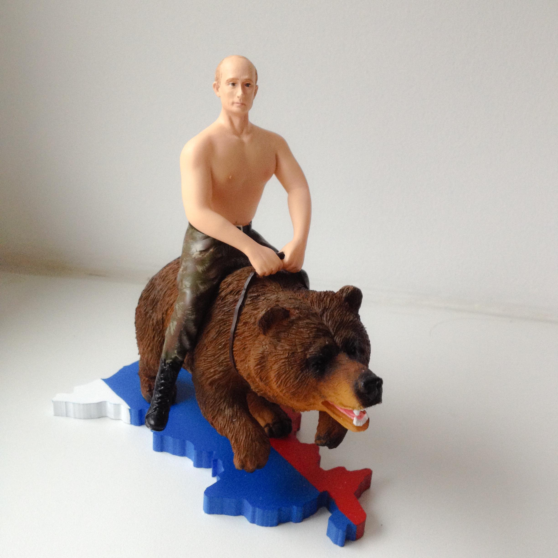 Putin auf einem Bär