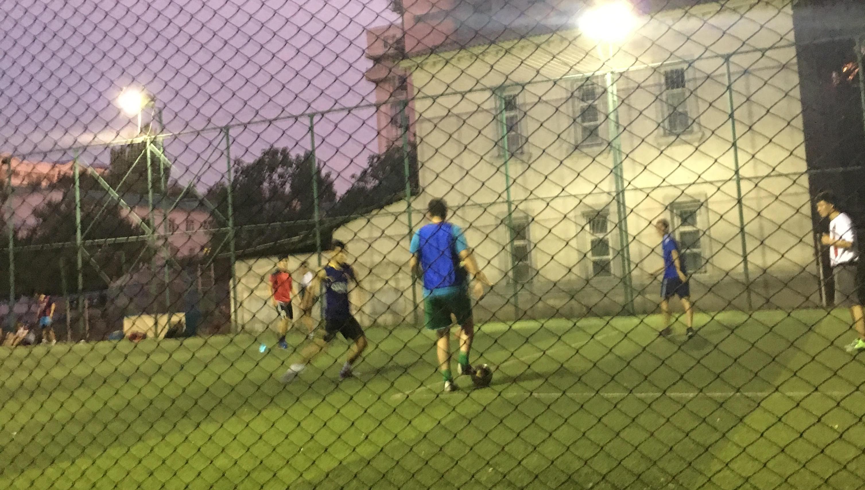 kscheib russball korobka in bischkek