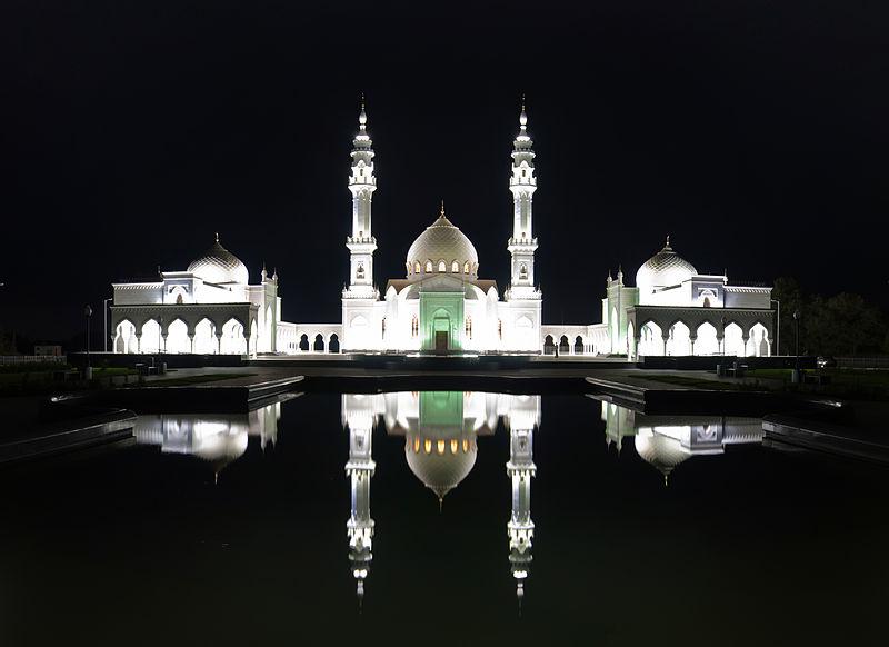 Die Weiße Moschee bei Nacht