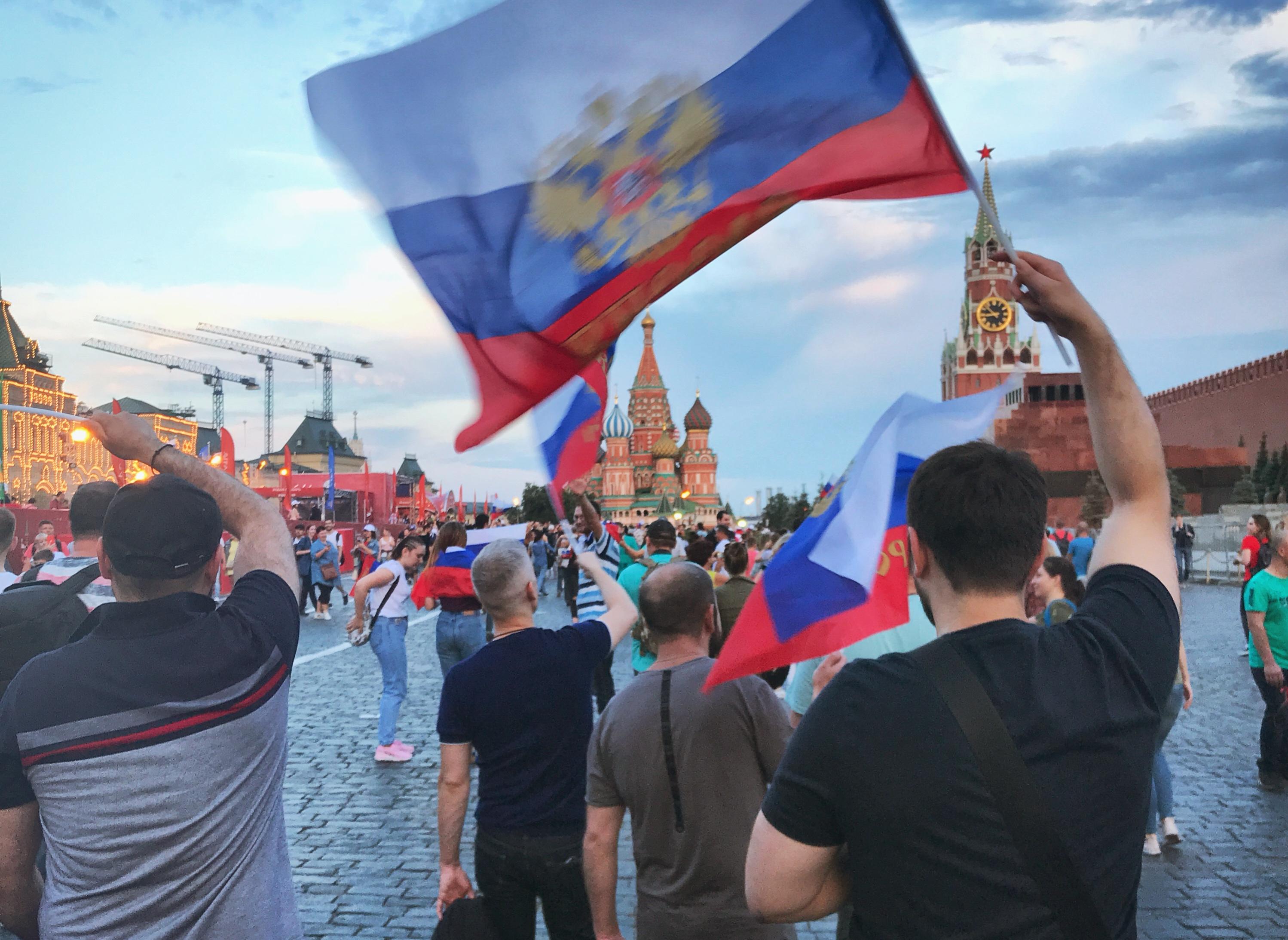 russland sieg spanien roter platz jubel