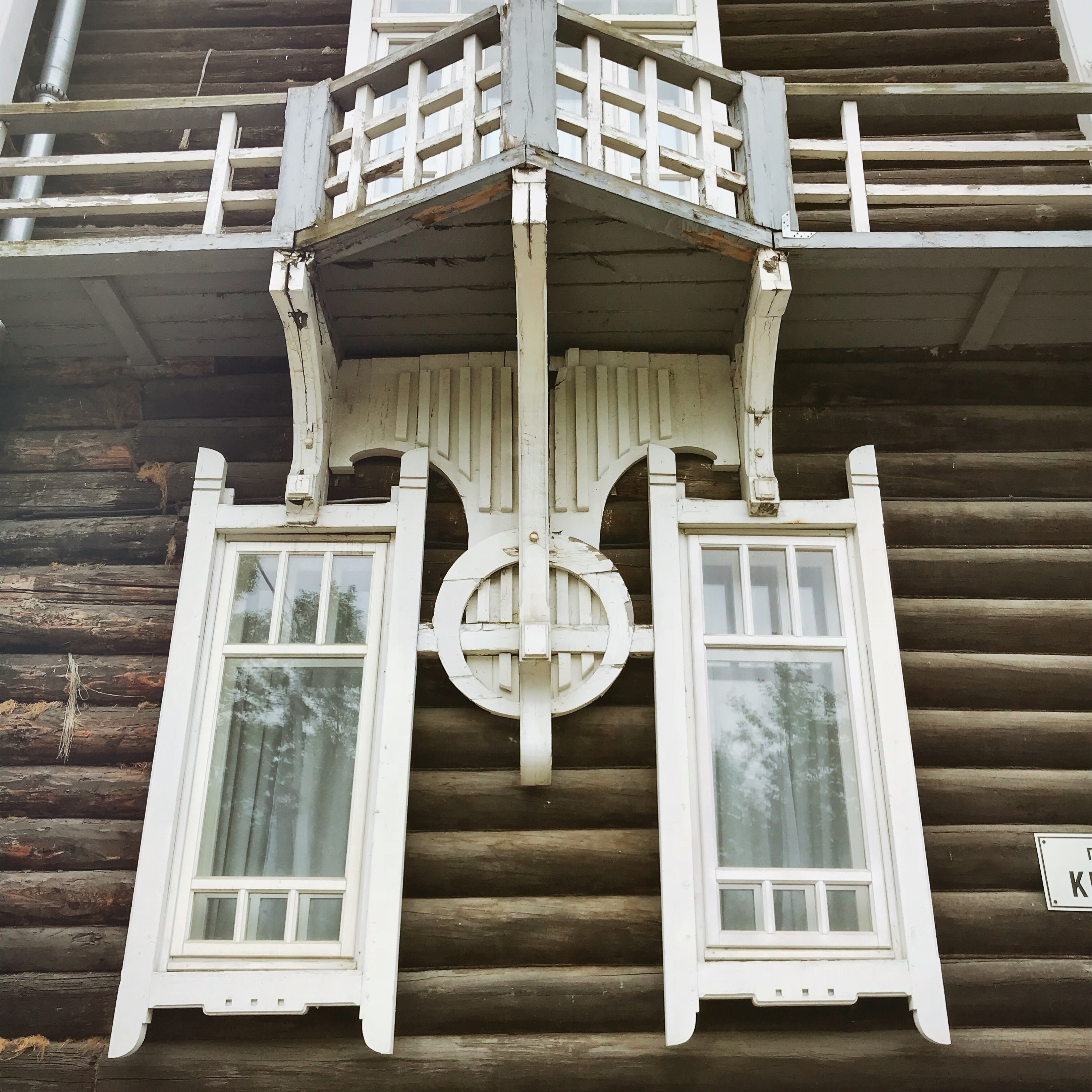 Sibirien Holzhaus Fenster Jugendstil