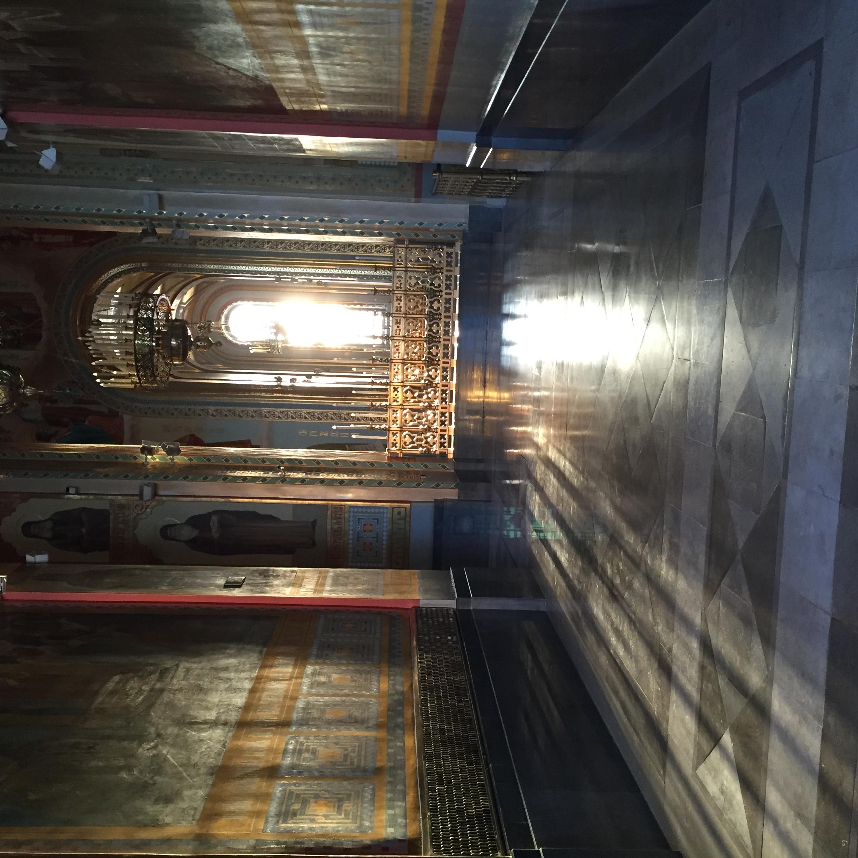 Christ-Erlöser-Kathedrale innen mit Abendlicht