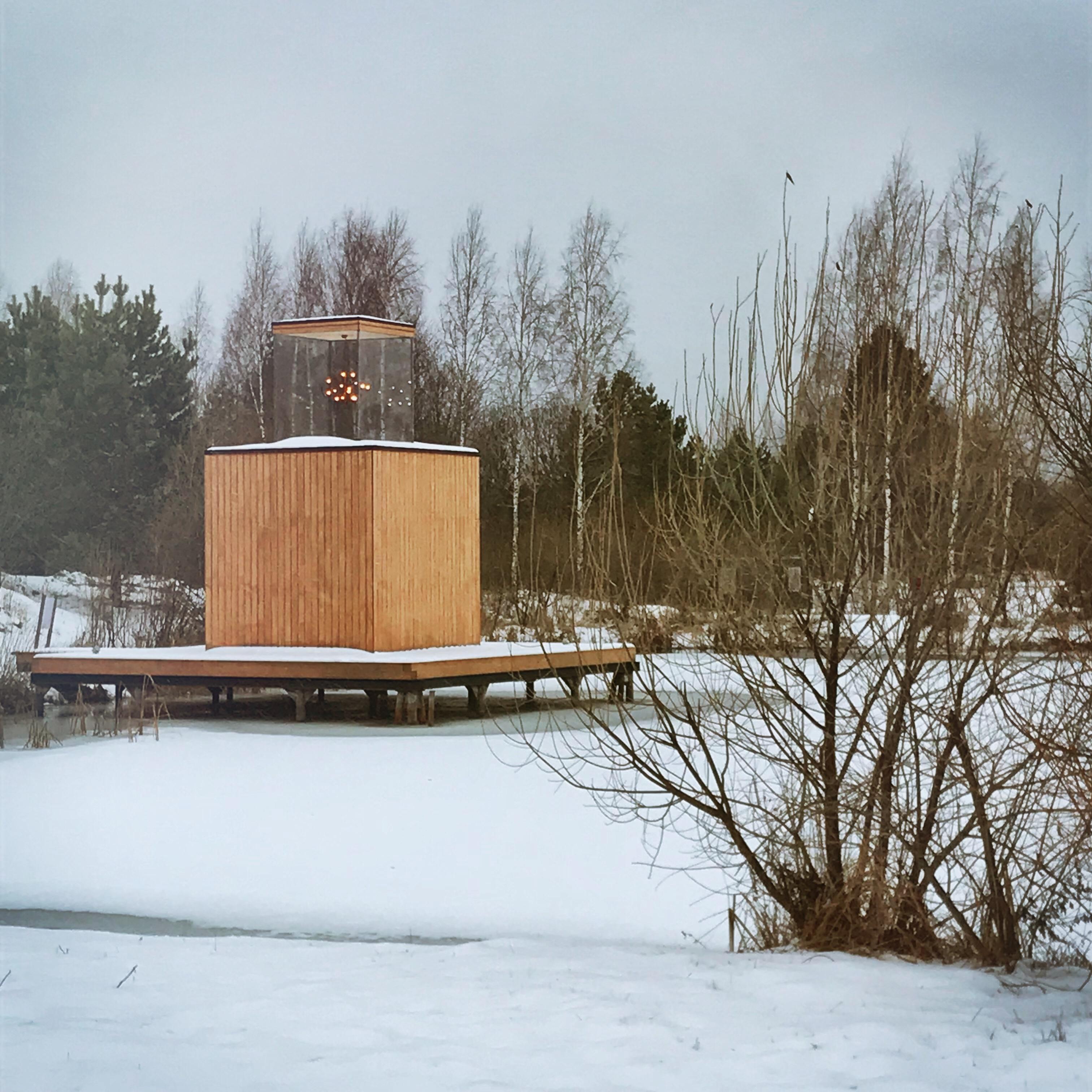 nikola leniwets russland skulpturen haus mit kronleuchter