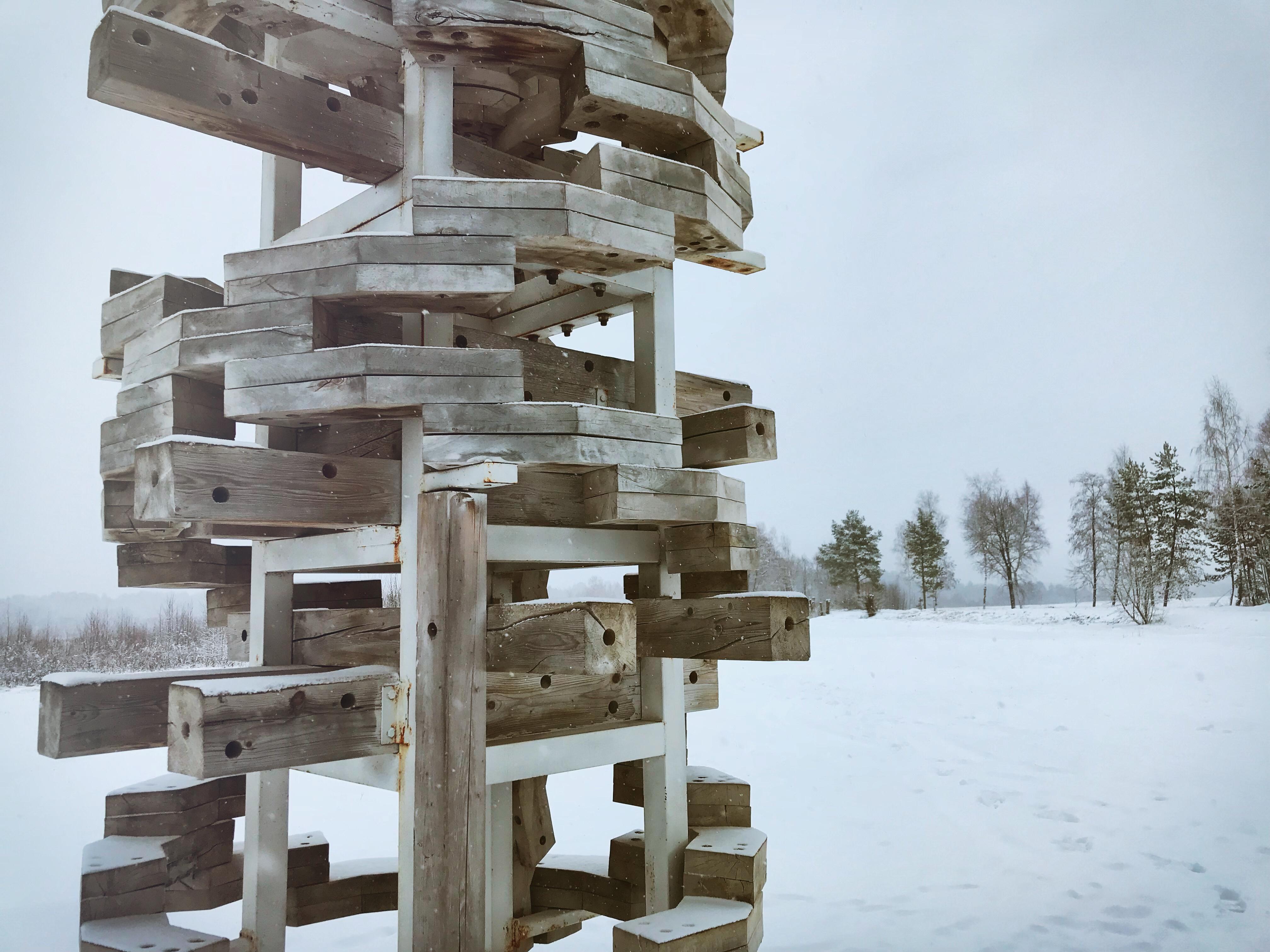 nikola leniwets russland skulpturen weißes tor detail