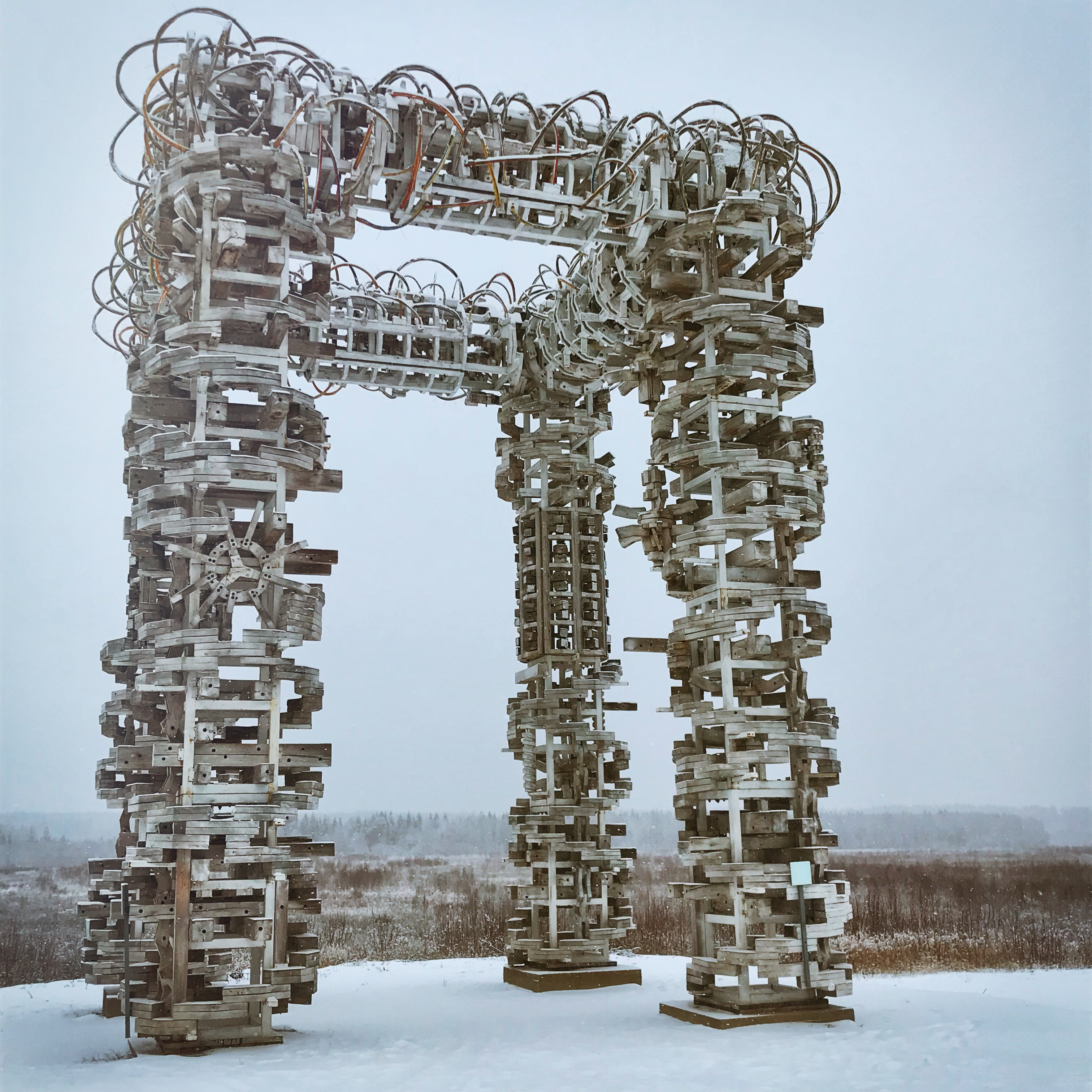 nikola leniwets russland skulpturen weißes tor